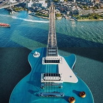 Brooklyn Bridge Guitar photo by Stephen McMennamy