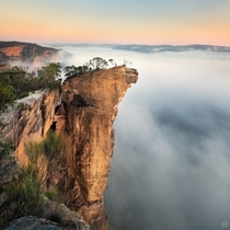 Burramoko Ridgeotherwise known as hanging rock Situated deep in the Blue Mountains National Park by Luke Tscharke x post rAustraliaPics