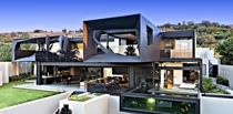 Busy Design With Kloof House South Africa