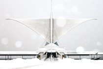 Calatravas Milwaukee Art Museum draped in snow
