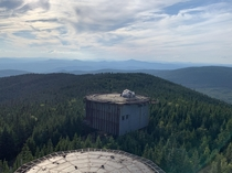 Camping on top an abandoned radar base from the Cold War