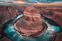 Cant get enough of those Arizona Sunsets Horseshoe Bend AZ  IG Ridethevibeworldwide