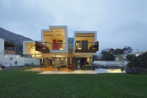 Cantilevered Home in La Planicie Lima by Longhi Architects
