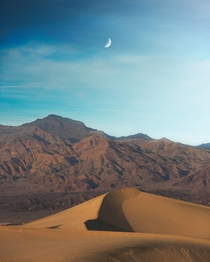 Catching last light at Death Valley  relativebrand