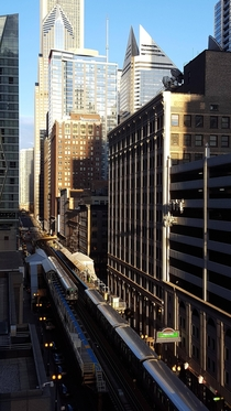 Chicagos Lake Street in the Afternoon