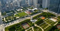 Chicagos Millenium Park from the air