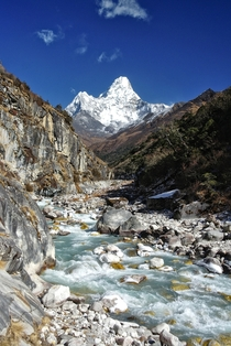 Clear skies over Ama Dablam  ft on the way to the Everest Base Camp in Nepal