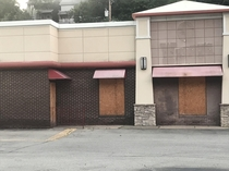 Closed and boarded up Wendys