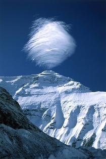 Clouds forming on top of Mount Everest by weltomyun