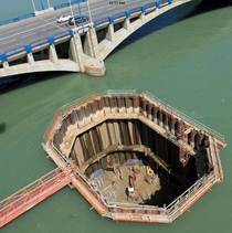 cofferdam construction for the Raymond-Barre Bridge in Lyon France