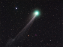 Comet Lovejoy M in the background