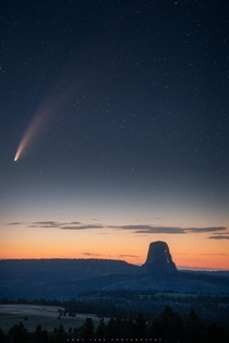 Comet Neowise over Devils Tower WY