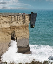 Concept house is pinned to the side of a cliff with unrivalled views of the Indian Ocean