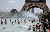 Cooling down in Paris