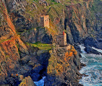 Cornwalls ruined tin mines Botallack England