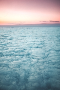 Cotton Sea flying though capricorn tropical area in Brazil  - Unsplash GuilhermeStecanella