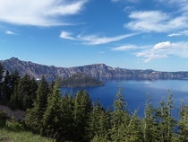 Crater lake in Oregon  x