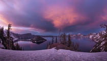 Crater Lake National Park Oregon USA by bun lee