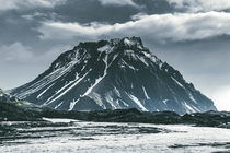Crazy looking mountain in Hvannadalshnkur Iceland Reminded me of something out of Skyrim