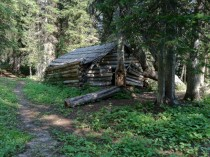 Creepy old cabin in Eastern Oregon Looks at least  years old