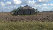 Crumbling farmhouse near Ganado Texas