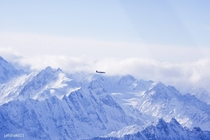 DC- flying throughover the Alaska Range