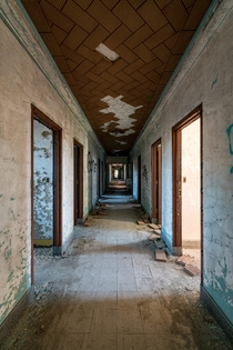 Decaying walls in a psychiatric hospital