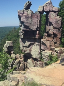 Devils doorway made of quartzite in Devils Lake State Park Wisconsin x