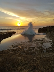 Devils Tear on Nusa Lembongan just before sunset  x