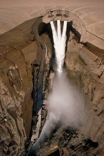 Dez Dam Iran  x Credit Frank and Helen Schreide National Geographic
