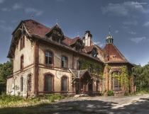 Dilapidated Summer Inn Photo by Sichtweisen_CB