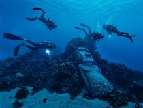 Divers Easter Island