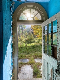 Doorway in an abandoned asylum Making me excited for this spring IG austinschacht