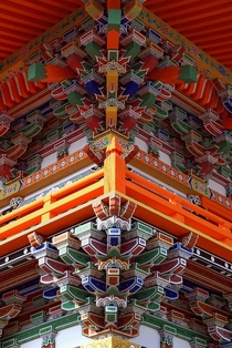 Dougong support system at Sagami-ji Temple Japan