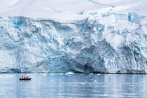 Early morning cruise control in the Antarctic Peninsula