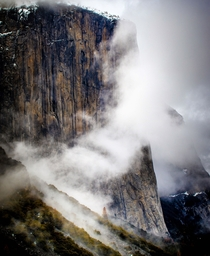 El Capitan in the clouds Yosemite National Park  Photo by Patrick Takkinen