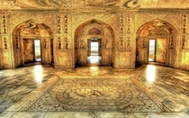 Emperor Akbars Royal Bathing Chamber in the Agra fort India