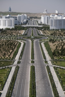 Empty roads of Ashgabat State Planning