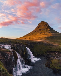 Ending the day below Mt Kirkjufell in Iceland  Instagram worldpins