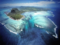 Enormous underwater plateau - Island of Mauritius - by Michael Friedel