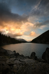 Epic sky during sunset above Washingtons Lake Colchuck