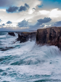 Eshaness Shetland - LooKinG dOwN over the stormy Atlantic in the Shetland Islands  x