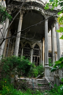 Exiled and former Prime Minister of Beiruts abandoned Mansion Photo by Craig Finlay  more in comments