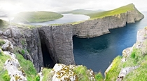Extraordinary Picture of Lake Srvgsvatn on the Faroe Islands  Credit Jan Egil Kristiansen