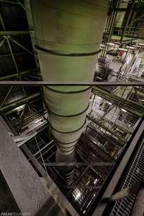 Extreme depth and scale inside a power plant no longer in use OC - x