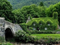 Fairytale Cottages Wales