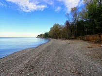 Fall colors starting on the shore of Lake Ontario - Chimney Bluffs State Park -