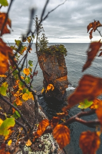 Fall Framing at Tettegouche State Park Minnesota