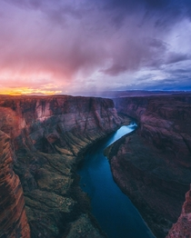 Falling Rain over  of horseshoe bend  - codymayer on ig
