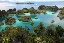 Fam Islands West Papua  by LBolgar